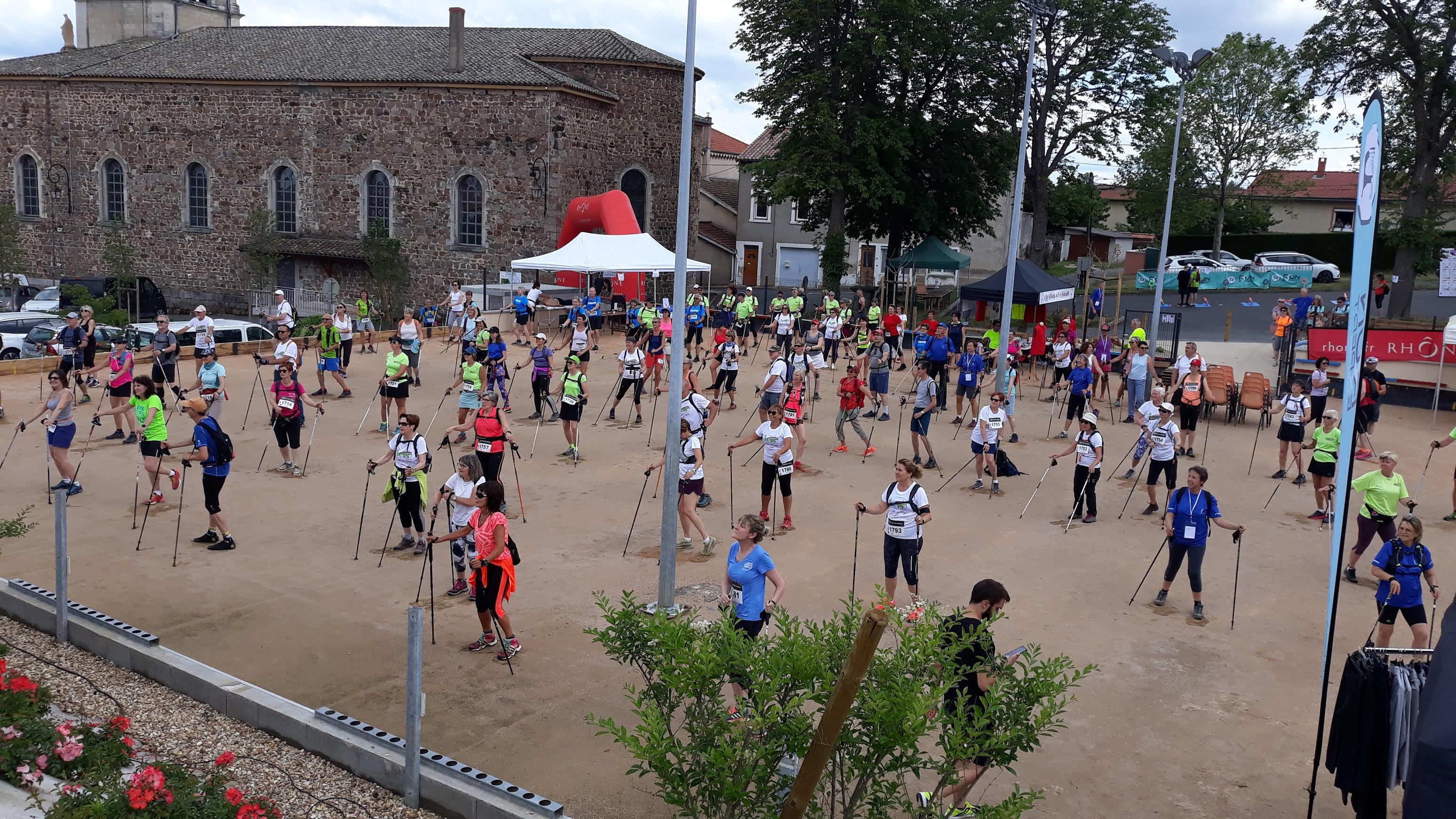 Magnifique organisation pour la 1ère de la Walk'n'B – Marche Nordique en Beaujolais